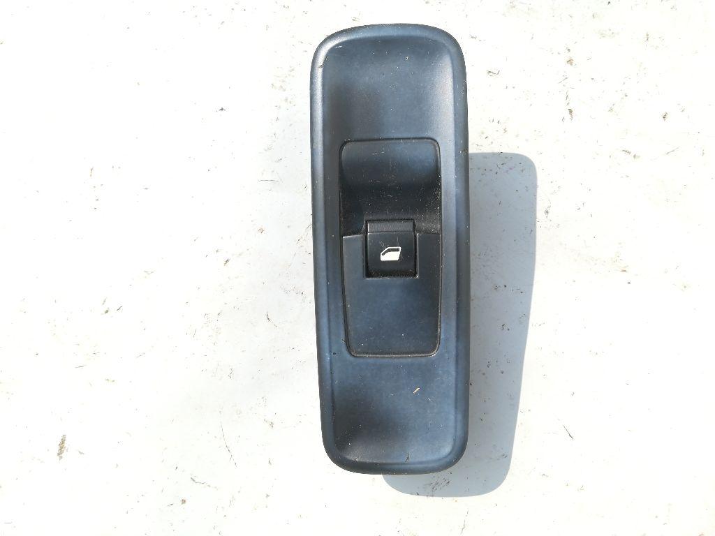 Кнопка стеклоподъемника переднего правого   14893750XT