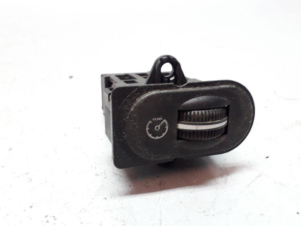 Кнопка освещения панели приборов   96bb13k752ab